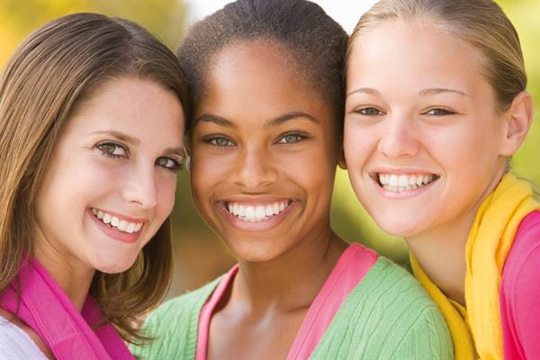 Klammern Invisalign jugendlich invisialign Teenager