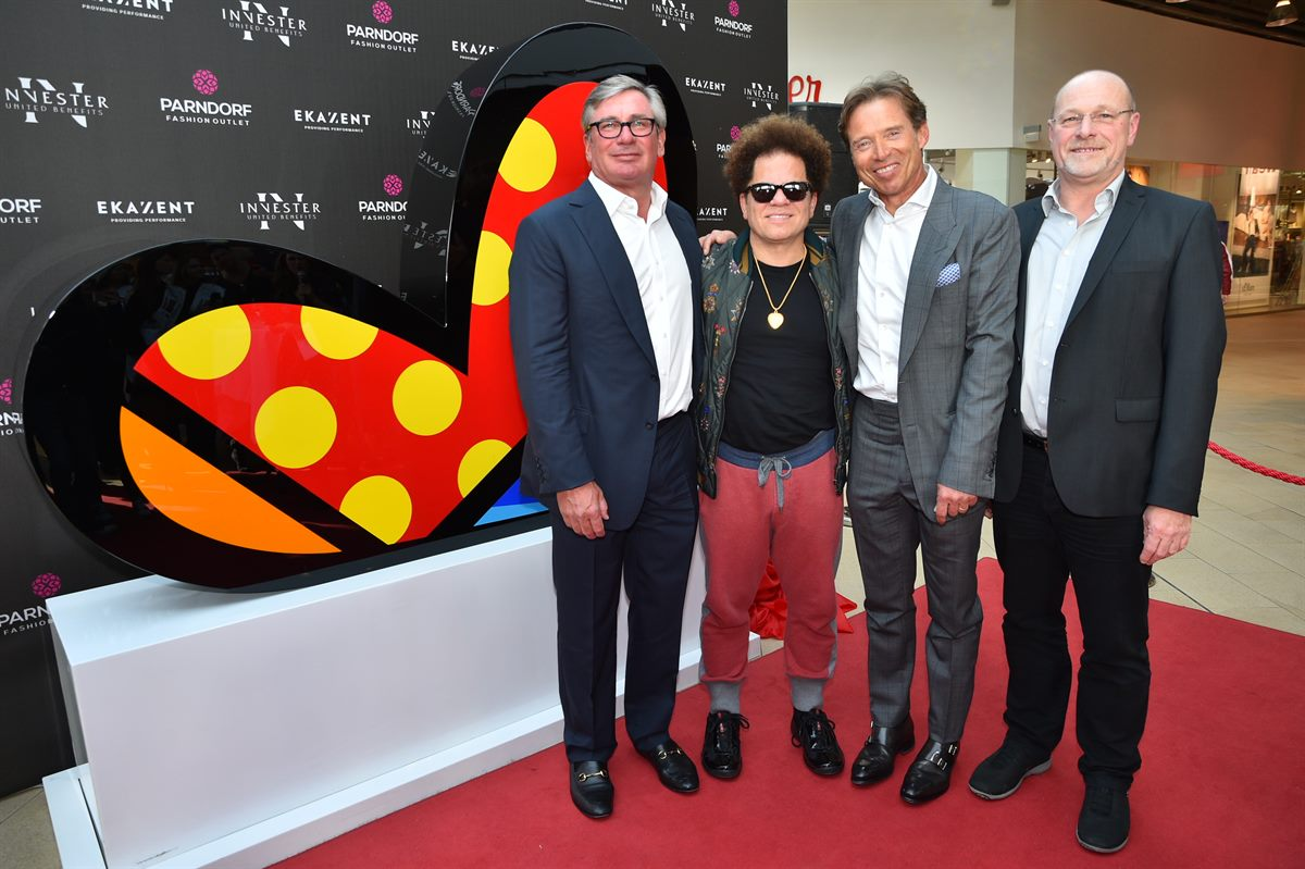 Parndorf Fashion Outlet: Kunst Superstar ROMERO BRITTO enthüllte Skulptur