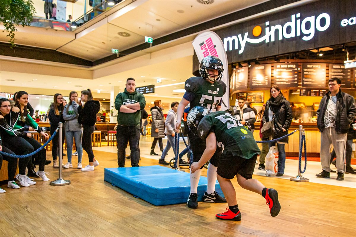 Family Sunday mit Super Bowl Special im Donau Zentrum